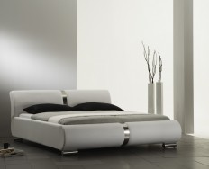 Beaune bílá postel
