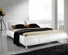Auch bílá postel